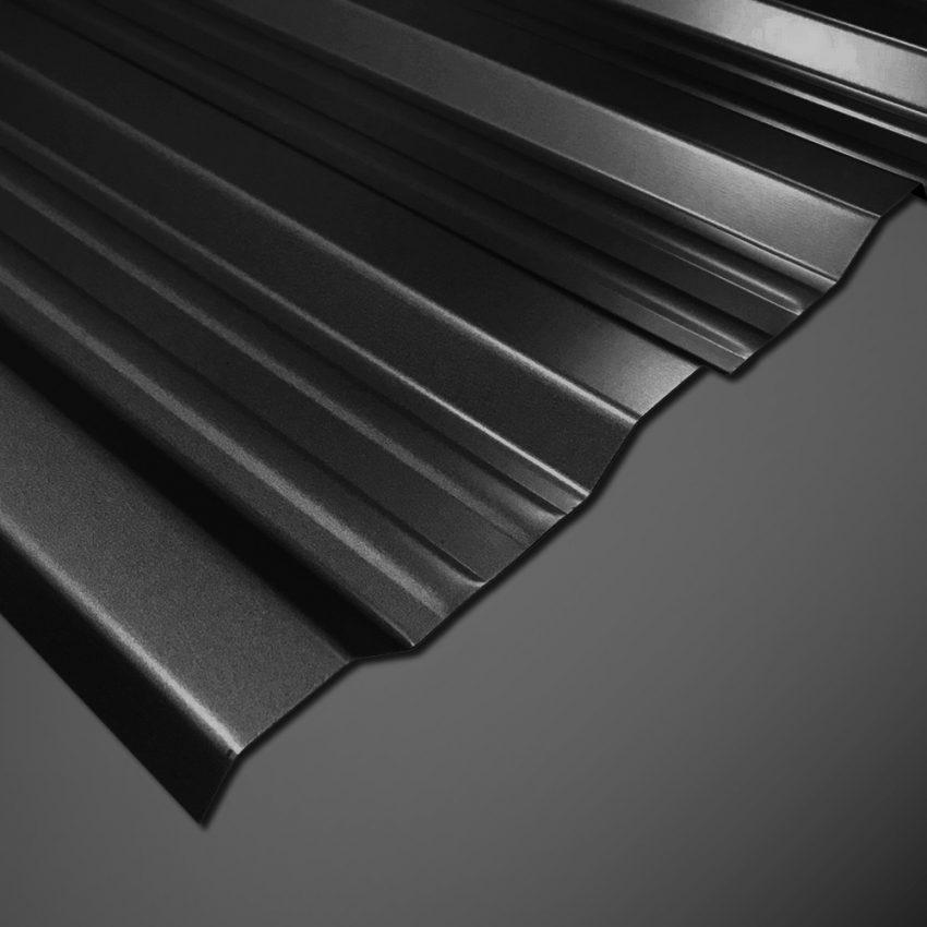 Trapezblech T-18DR/1100 - 25 µm Polyester - Schwarz auf schwarzem Hintergrund